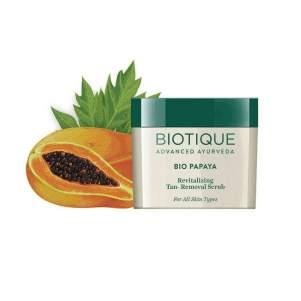 Восстанавливающий скраб Биотик Био Папайа (Biotique Bio Papaya Revitalizing Tan-Removal Scrub), 75г
