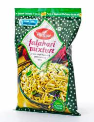 Смесь Халдирамс Фалахари Микстур (Haldiram's Falahari Mixture a Sweet Mingle Of Peanuts&Potatoes With Mild Spices), 200г