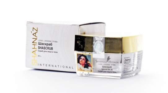 Скраб для лица и тела с грецким орехом Шаскраб Шахназ Хусейн (Shahnaz Husain Shascrub Walnut Face&Body Scrub), 40г