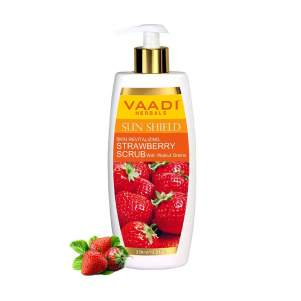 Скраб-лосьон для лица и тела с Клубникой и Грецким орехом Ваади Хербалс (Vaadi Herbals Skin-Revitalizing Strawberry Scrub With Walnut Grains), 350мл